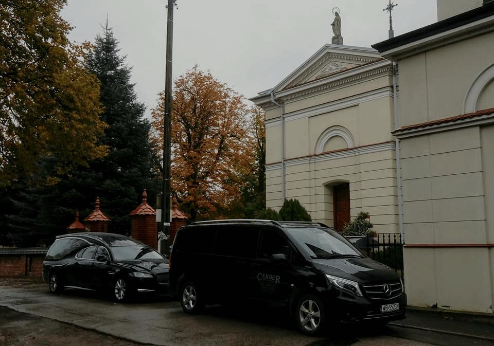 Parafia Pęcice